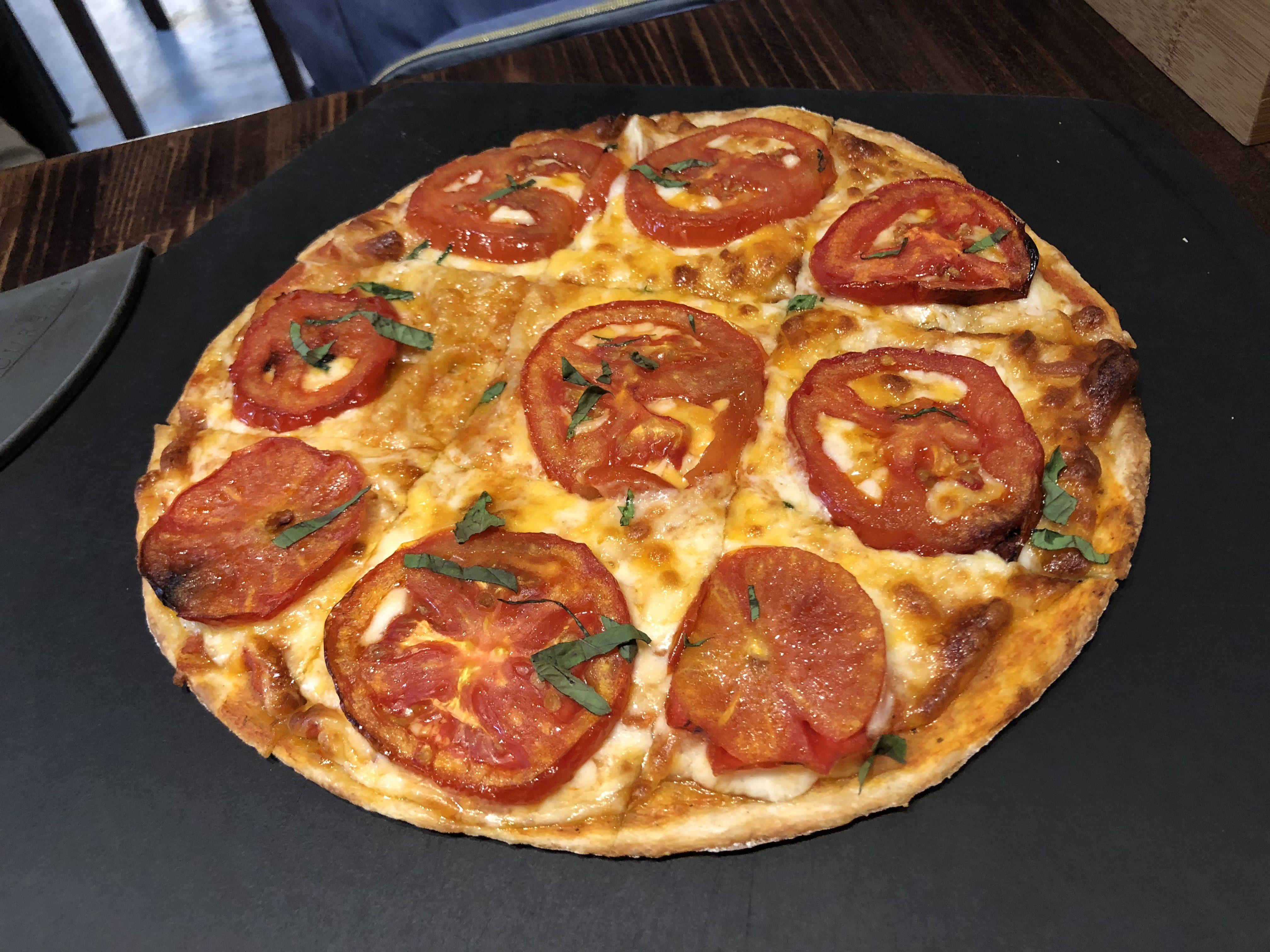 《義式餐廳,蔬食》中山國中站,墨伯的廚房mobe's kitchen ,推薦瑪格麗特披薩