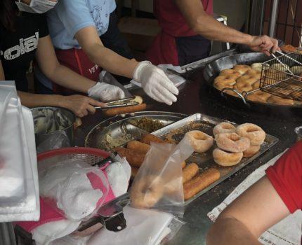 《中壢夜市,銅板美食》溫 不一樣三明治 甜甜圈,排隊也要吃,好吃又便宜!