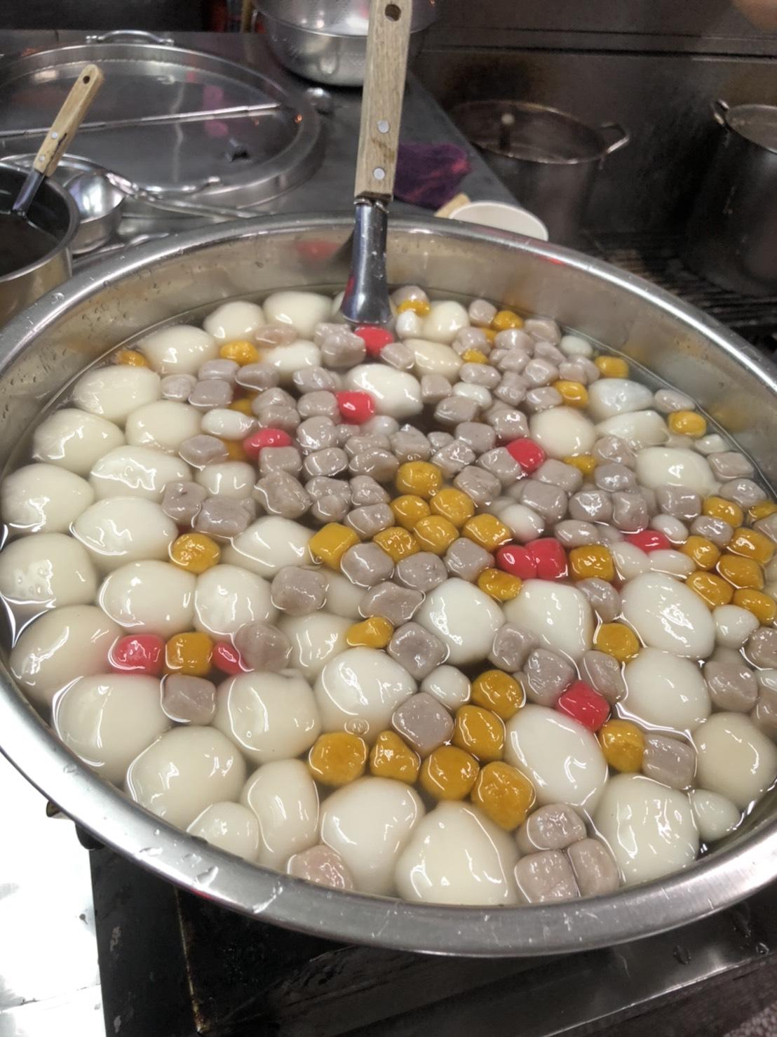 遼寧夜市 客家自製湯圓 30年手工製作 Q彈香,值得推薦!